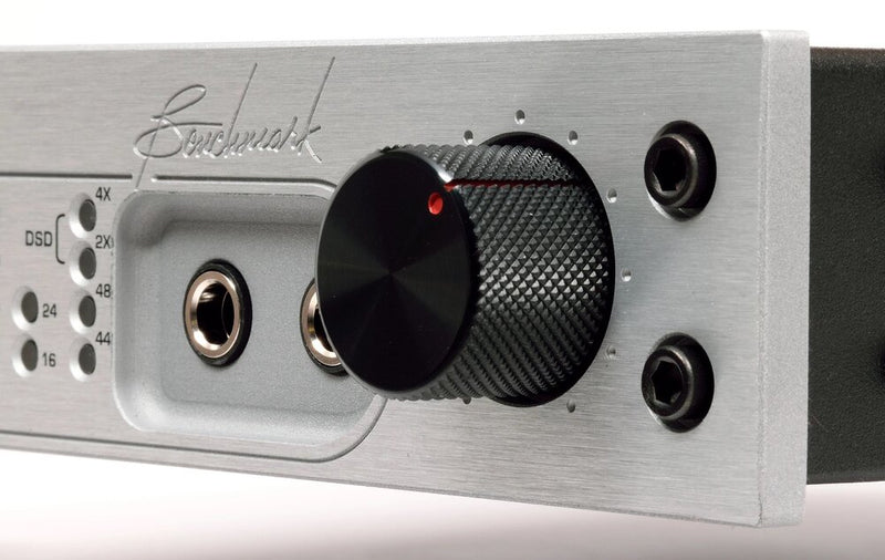 Silver Benchmark DAC3 DX - Digital to Analog Audio Converter close up