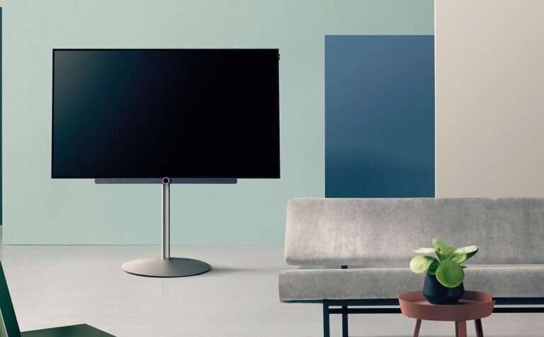 "Loewe bild 3 - 55"" OLED TV in the living room"