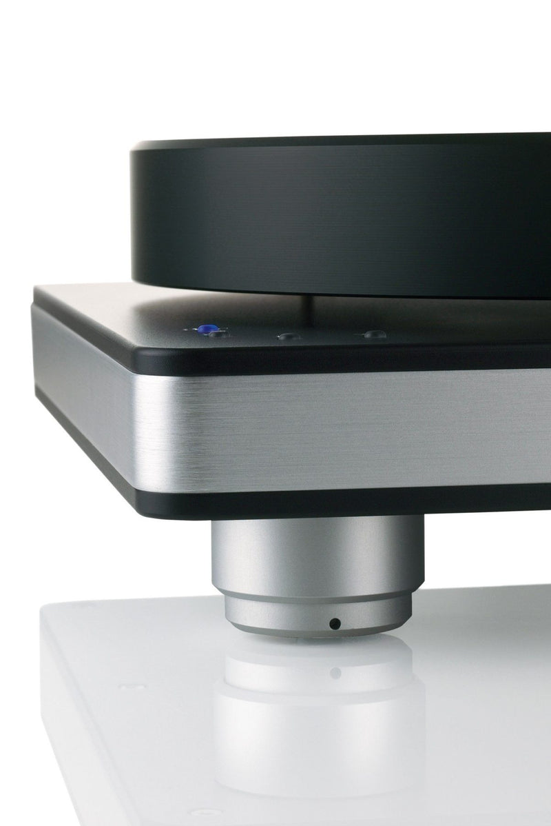 Clearaudio Performance DC with Tangential Armboard Turntable (silver base and trim)
