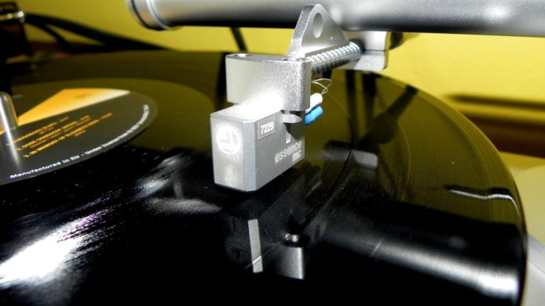 Clearaudio Essence MC Moving Coil Cartridge