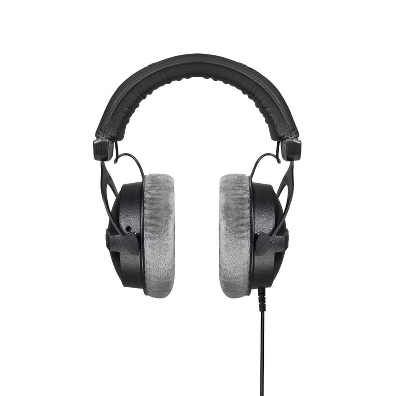 Beyerdynamic DT 770 PRO Reference Headphones for control and monitoring purpose (closed)