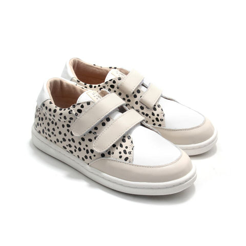 Pretty Brave XO Trainer - Spots