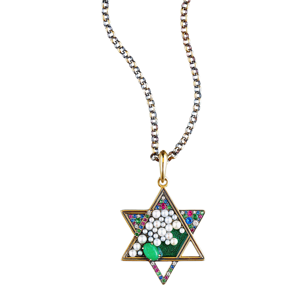 Queensbee Star Necklace