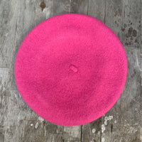 Lipstick colour wool beret