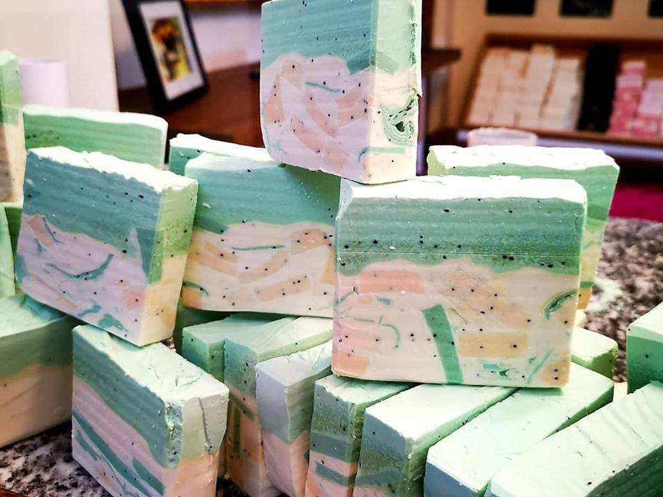 Load image into Gallery viewer, English Melissa Handmade Soap