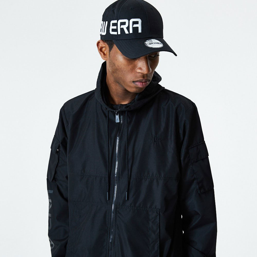 New Era Cargo Windbreaker All Black
