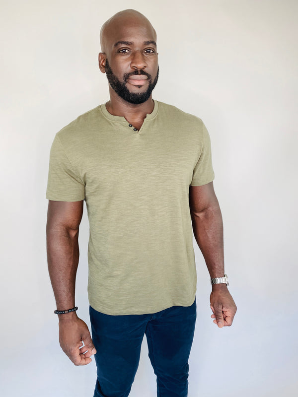 Marled Henley Shirt in Olive