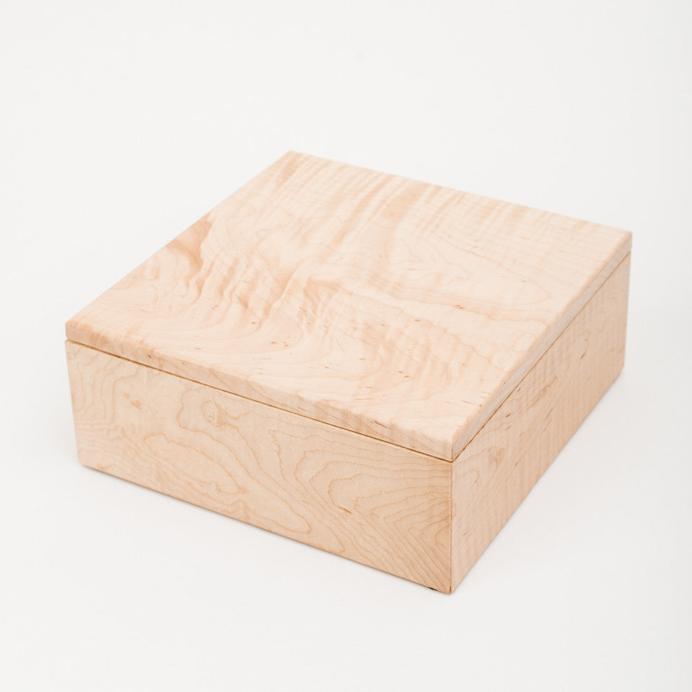 Medium Keepsake Box in Maple