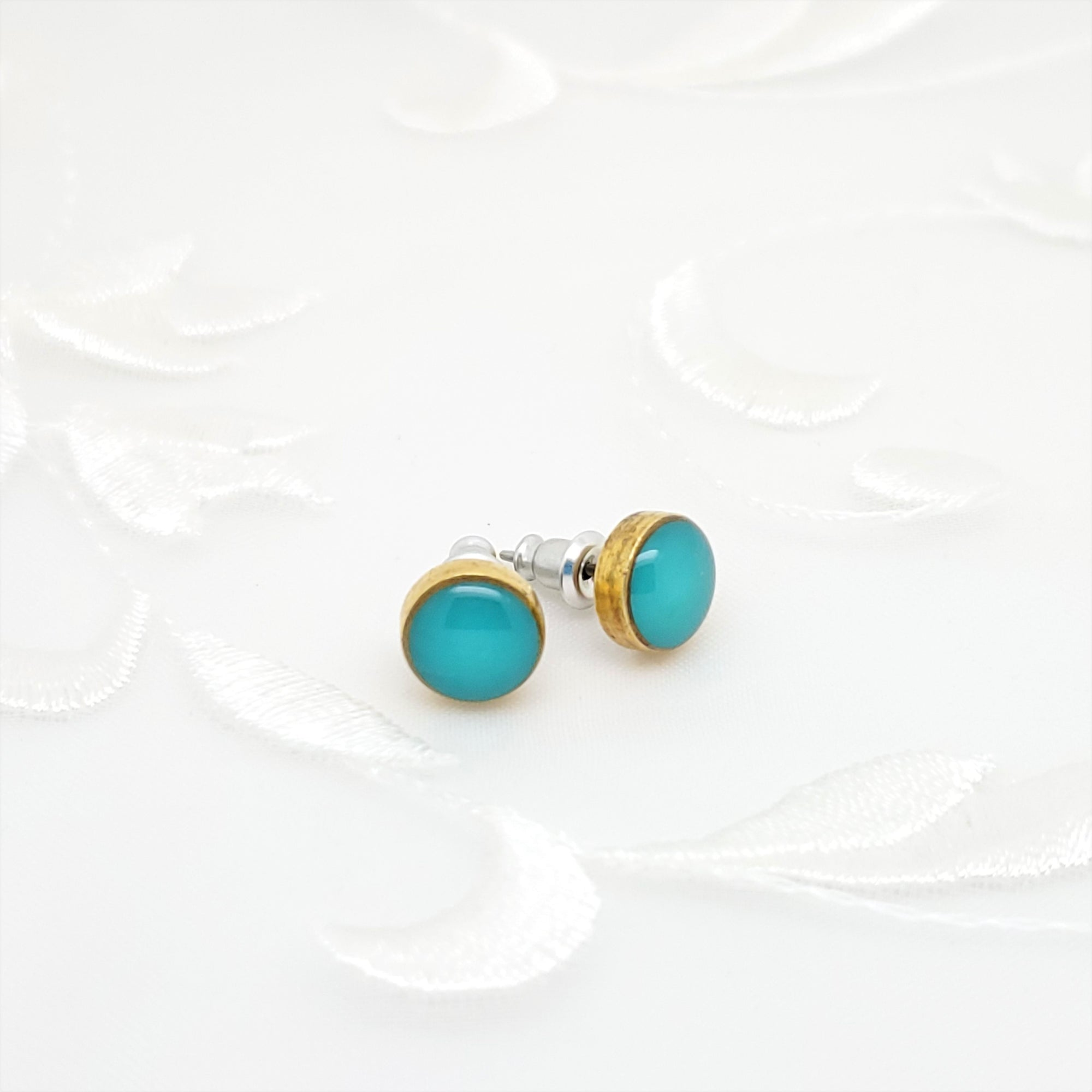 Antique Gold Round Stud Earrings with Turquoise Resin