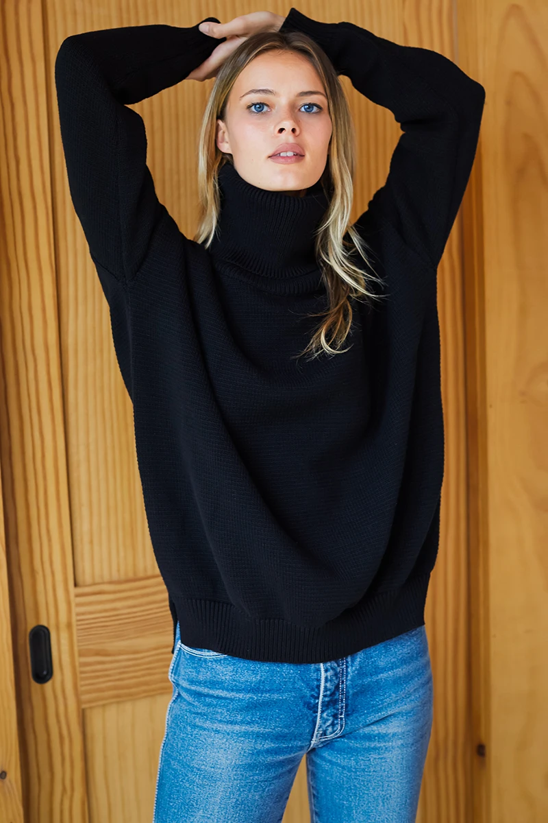 Carolyn Turtleneck - Black
