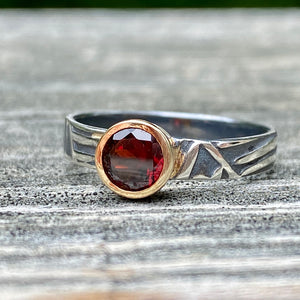 Abstract Leaf Textured Band with Garnet
