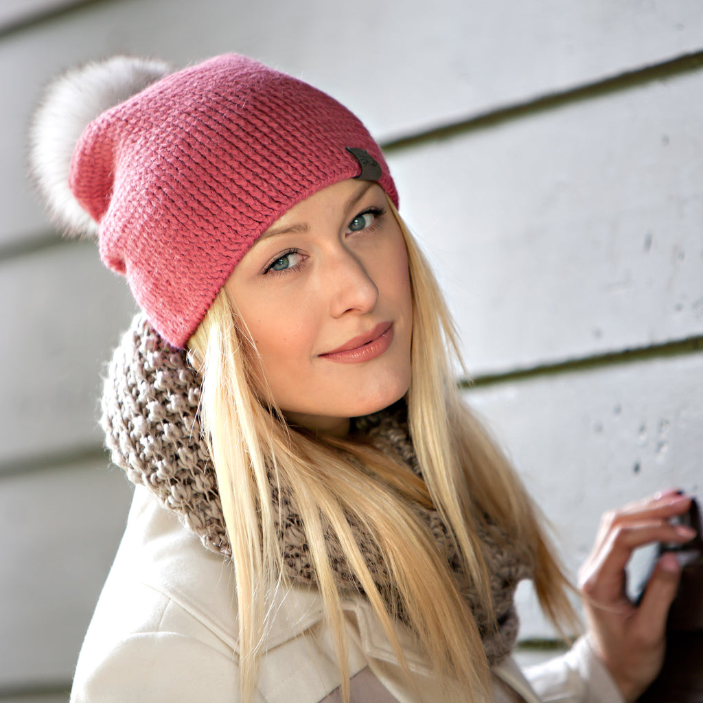 Rose Fundamental Slouchy Unisex Crochet Knit Hat Canada Bliss Hot Accessories Celebrity Fashion Style Beanie Pom Pom Hat Fall Winter Fashion