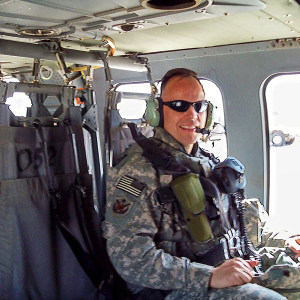 Mo in helicopter in Iraq