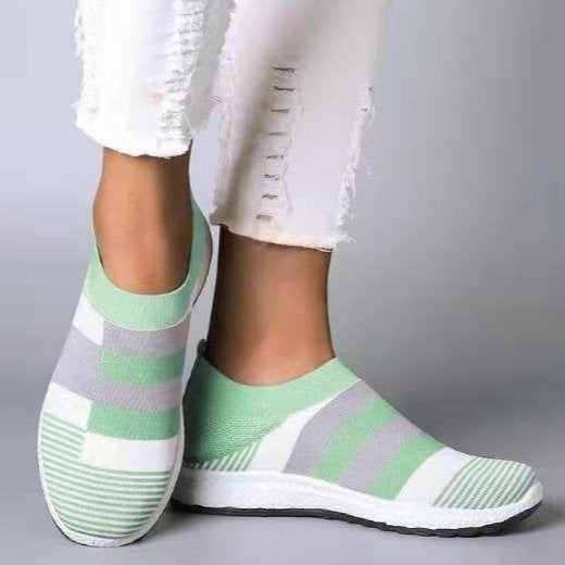 Women's Sneakers Knitting Flats Women Casual Shoes New Fashion Plus Size Mesh Breathable Slip on Sports Shoes