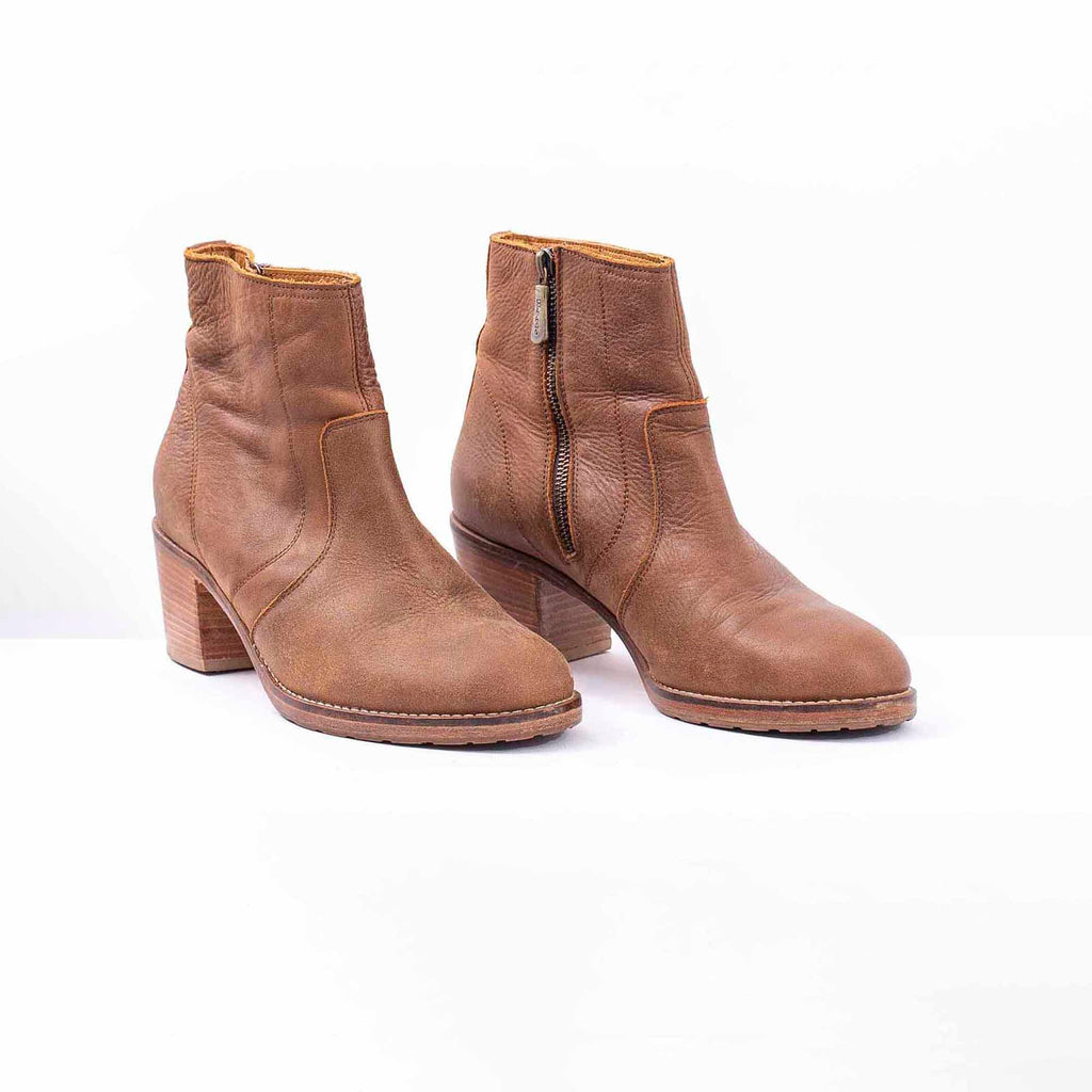 Roots Light Brown Leather Ankle Boot