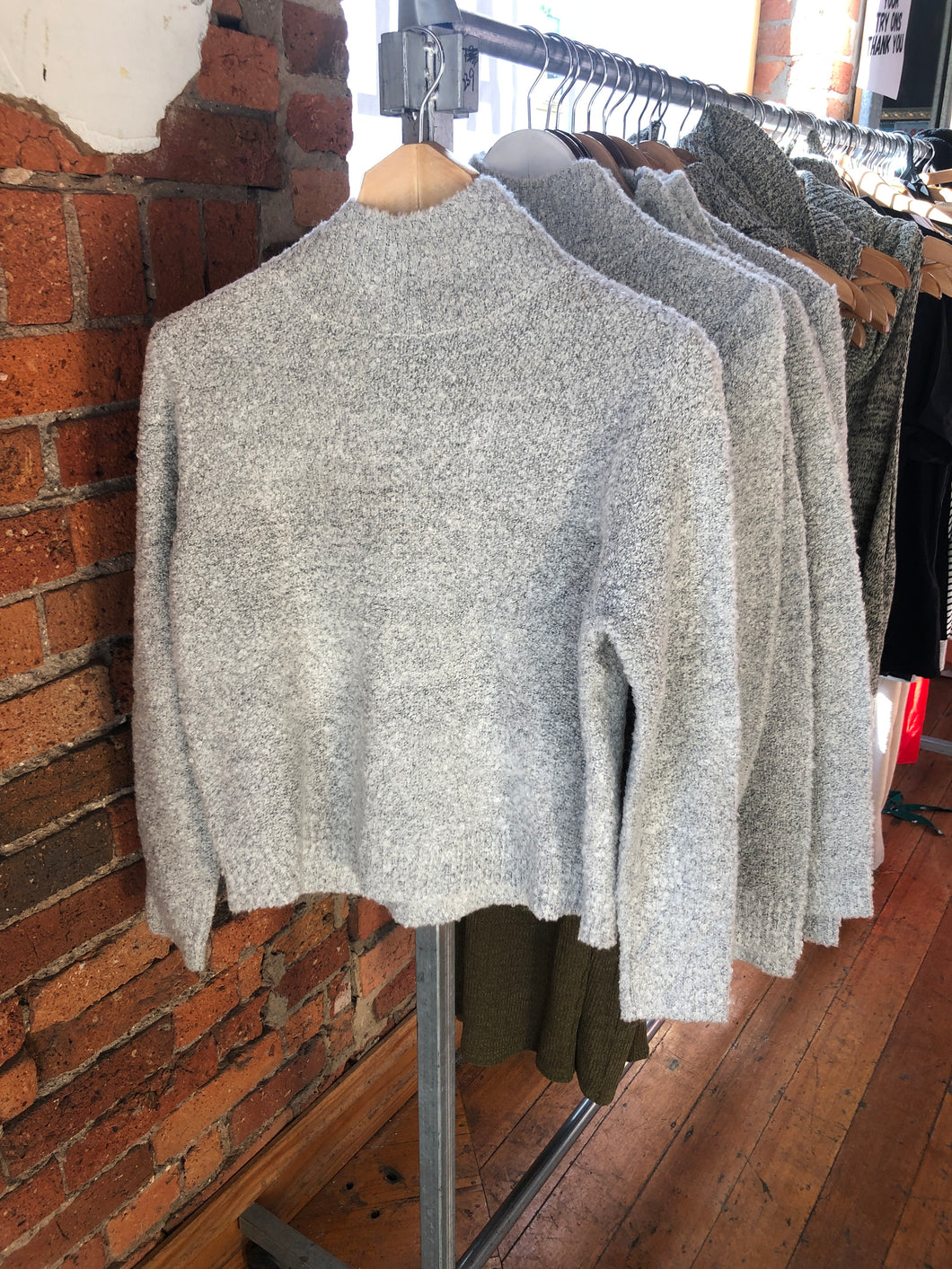 LOOPED OUT SKIVVY JUMPER