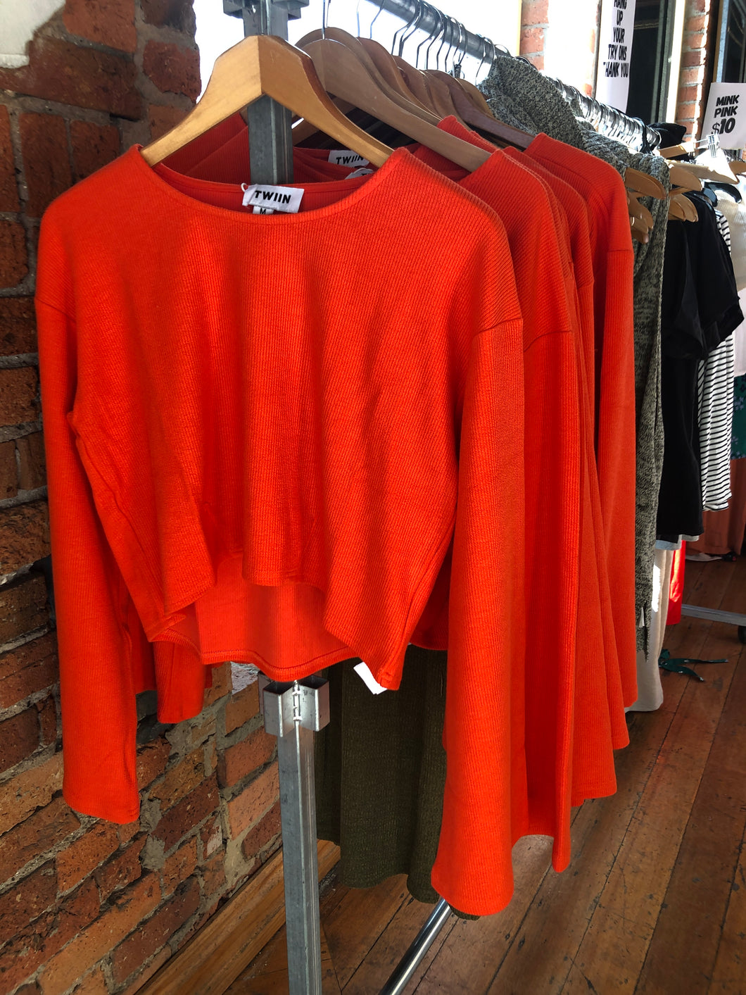 ORANGE KNIT TOP