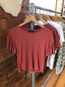 DOLLY TEE BRICK RED
