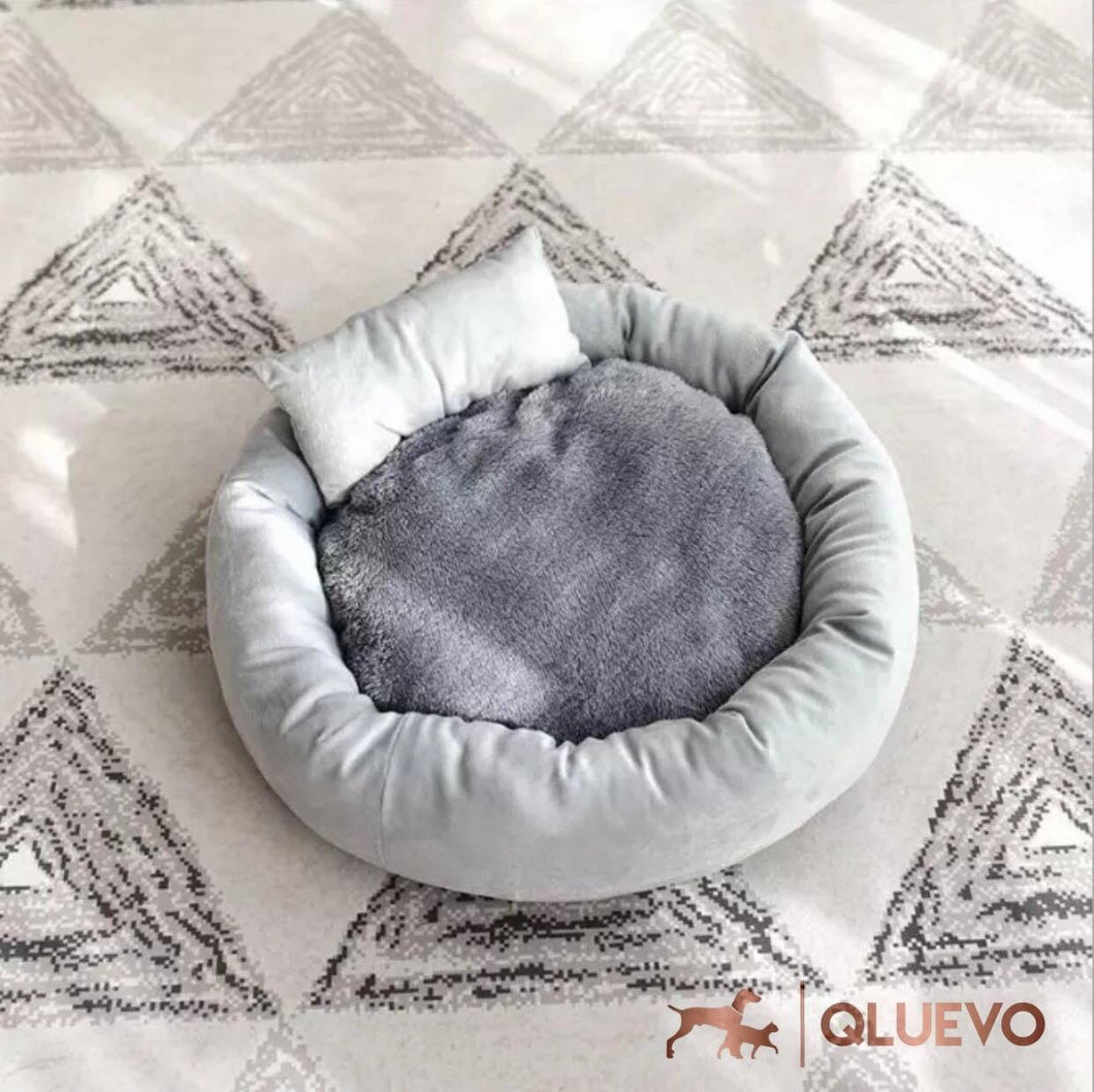 Snuggly Donut Snooze Cat Bed & Mini Pillow