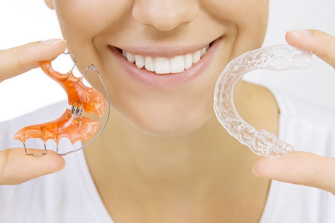 How to Clean Retainers: 12 Tips and Tricks