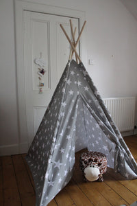 Children's teepee in white and grey star pattern