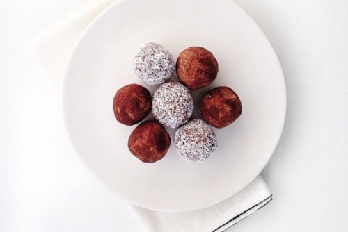CHOCOLATE FUDGE TRUFFLES – SERVES 18