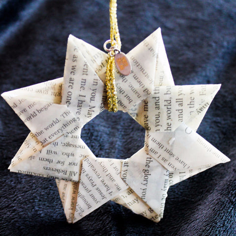 Modular Origami Star Ornament {Bible Verse Text}