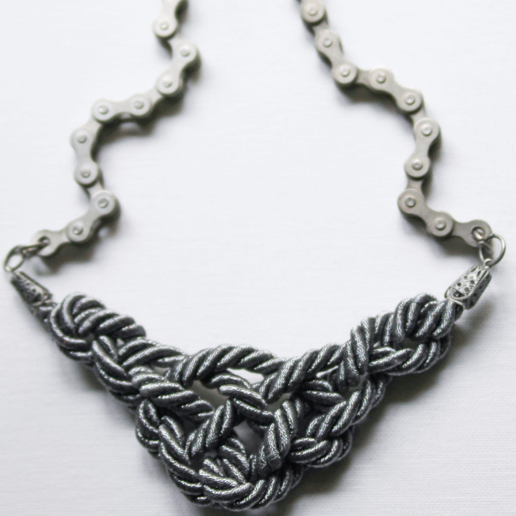 Gunmetal Crescent Speed Chain