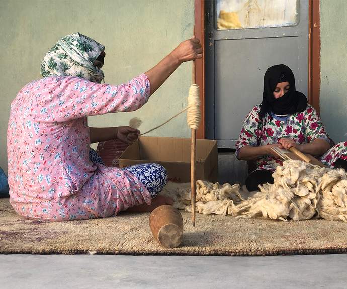 the ancestral way of producing berber rugs