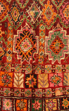 Load image into Gallery viewer, Boujaad berber rug - BJD 440 - 240x155 CM
