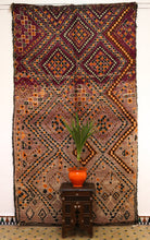 Load image into Gallery viewer, Beni Mguild berber rug - BMZY 510 - 305x175 cm
