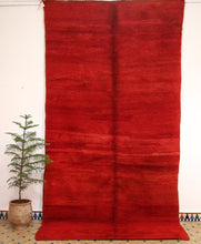 Load image into Gallery viewer, Beni Mguild red berber rug - TR 67 - 365x190 CM