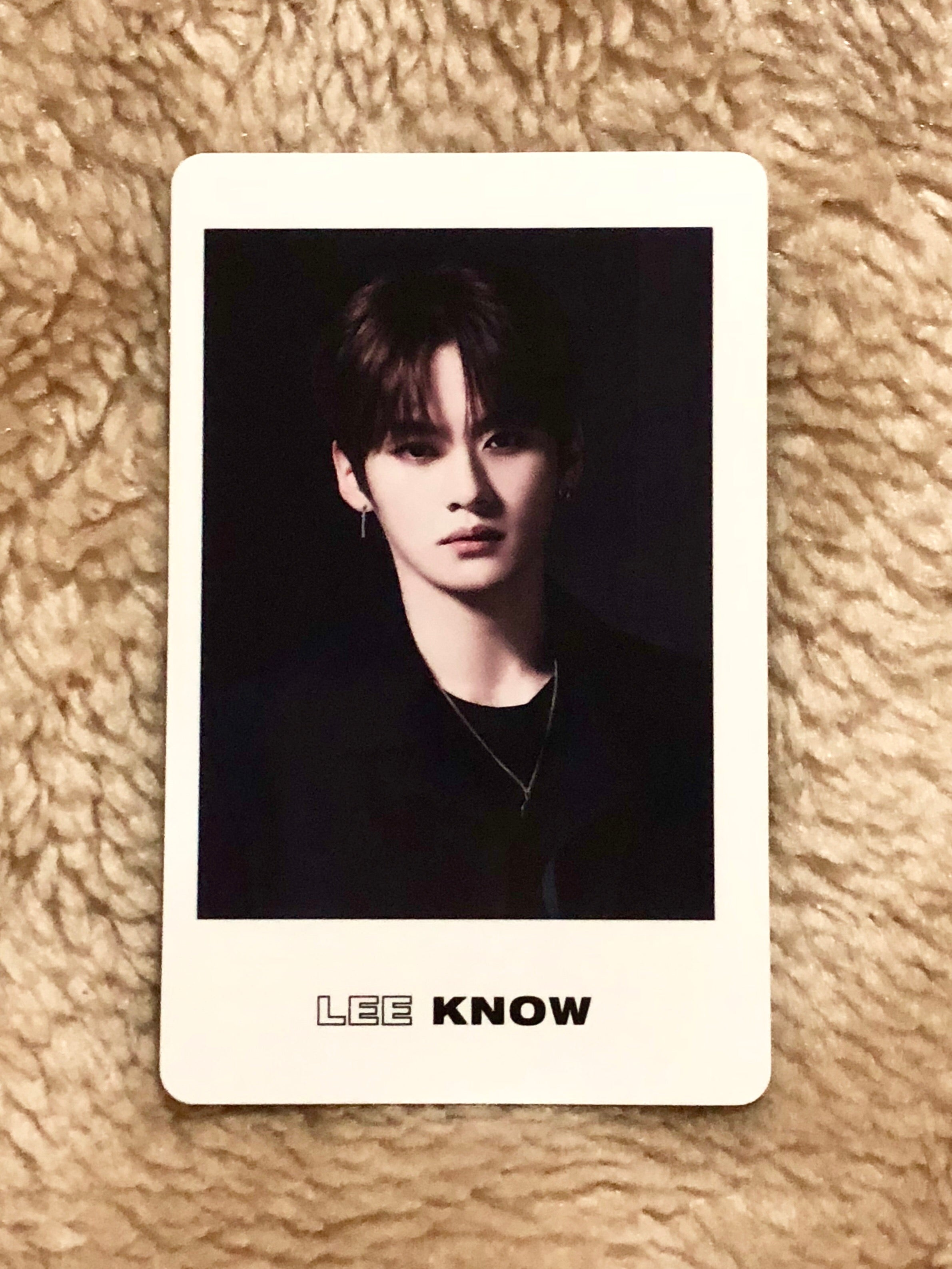 Lee Know District 9: Unlock Black Photocard