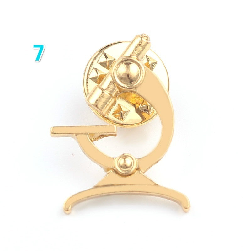 Gold Color Stethoscope Brooch Pins for Doctors Nurse Students Cloth Coat Hat Collar Lapel Pin Badge Medical Jewelry Accessories