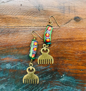 Adinkra Brass Duafe Earrings with Trade Bead