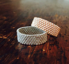 Load image into Gallery viewer, Classic Beaded Band Ring