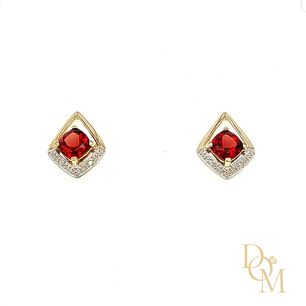 9ct Yellow Gold Vintage Style Garnet & Diamond Earrings