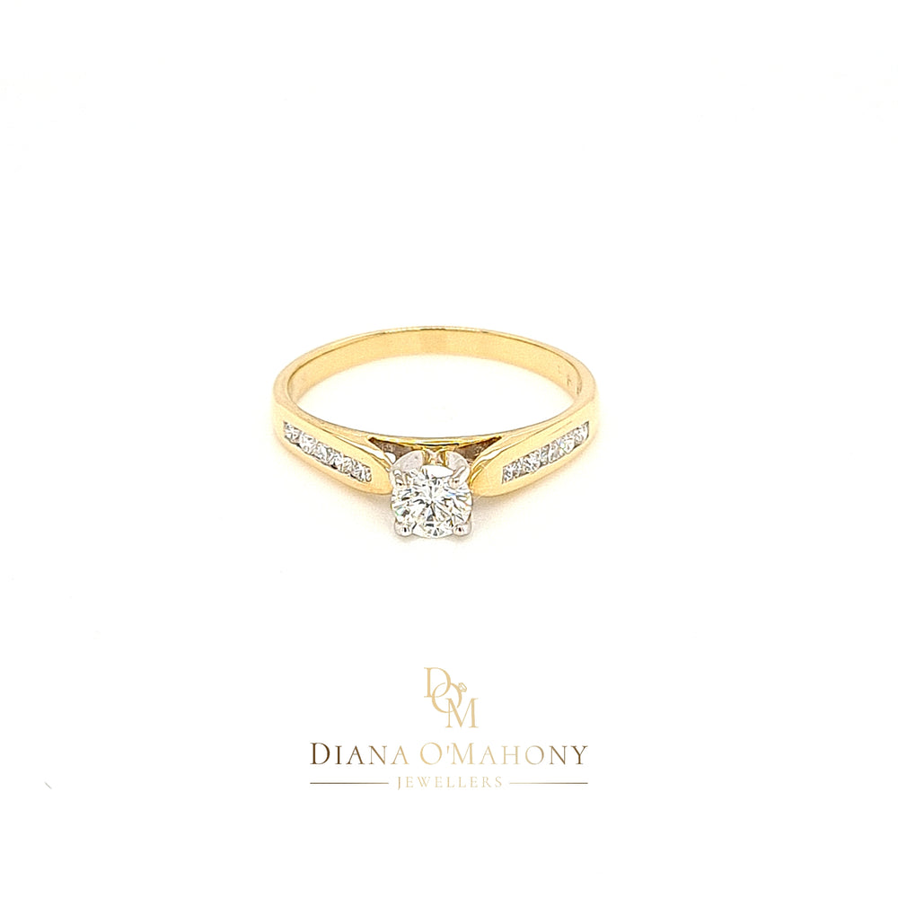 18ct Gold Solitaire Diamond Engagement Ring with Diamond Shoulders