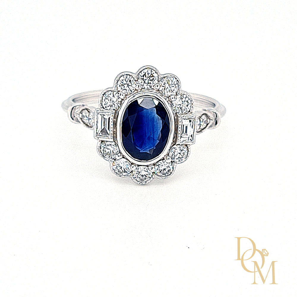 18ct White Gold Vintage Style Sapphire & Diamond Cluster Ring