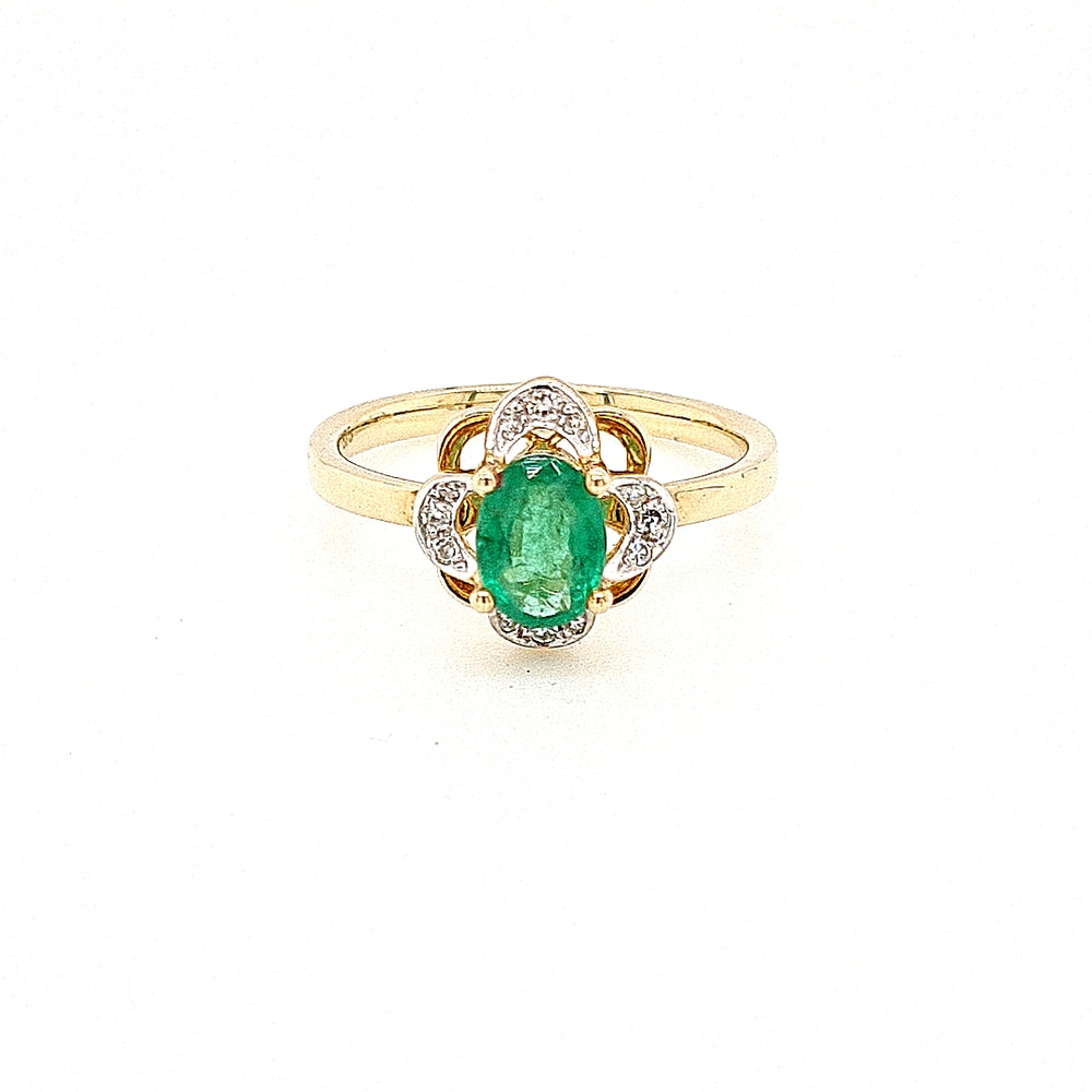 9ct Gold Oval Emerald Cluster Vintage Style Diamond Ring