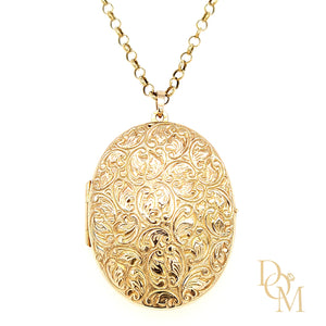 9ct Gold Vintage Locket with Engraved Decoration