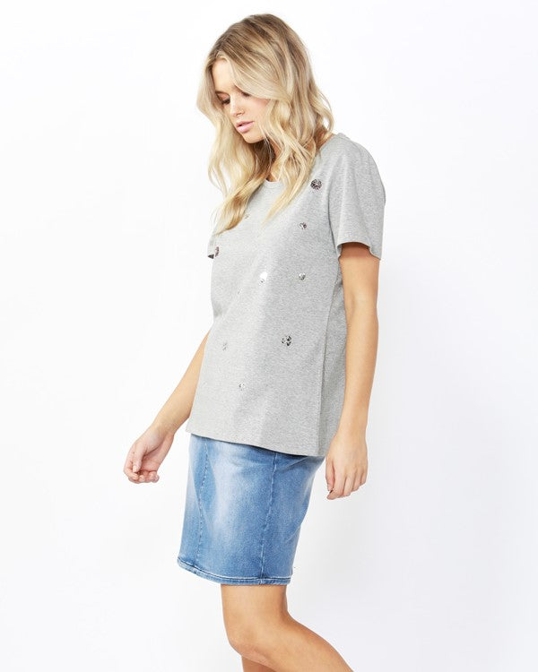 BETTY BASICS - Silver Marle Sequin Cara Tee