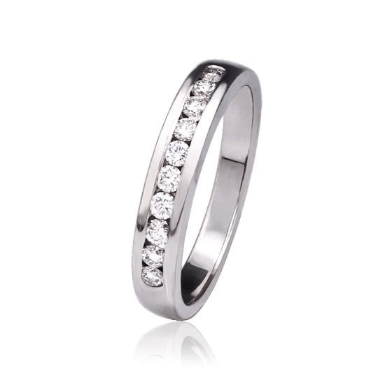 White Gold & Brilliant Diamond Ring