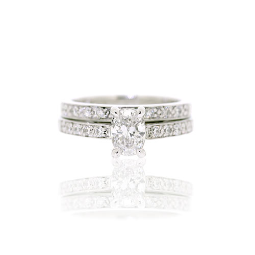 18ct White Gold Oval Diamond Engagement & Wedding Rings