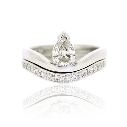 18ct White Gold Pear Diamond Engagement Ring & Fitted Wedder