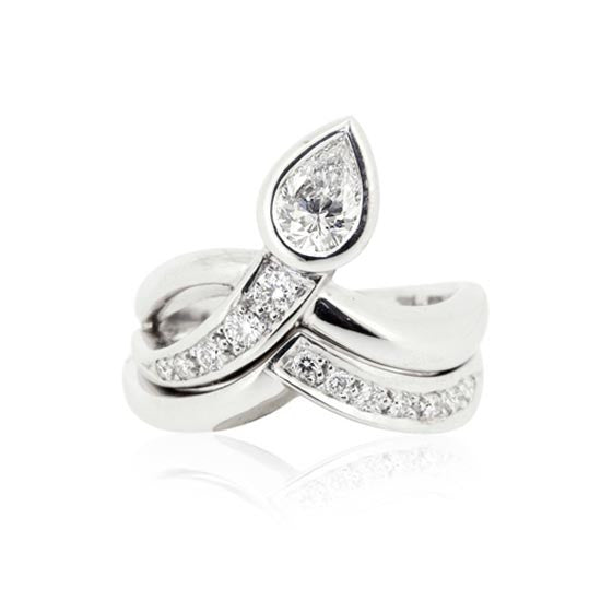 White Gold Pear Diamond Ring & Wedder
