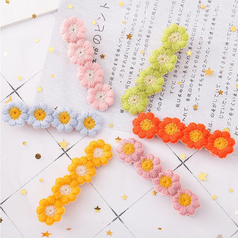DAISY EMBROIDERY HAIR CLIP (6 PCS)