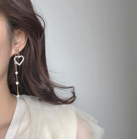 HEART PEARL TASSEL ASYMMETRIC EARRINGS
