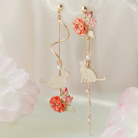 SWEET FLOWER CAT TASSEL STUD EARRINGS