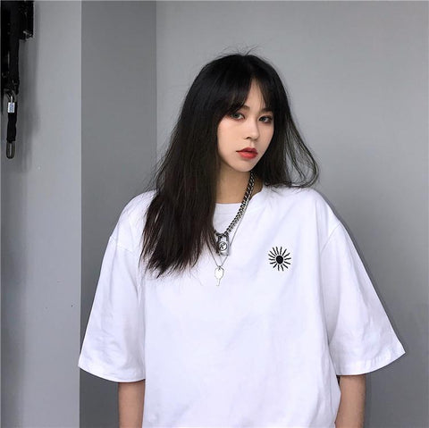 SUN EMBROIDERY TEE